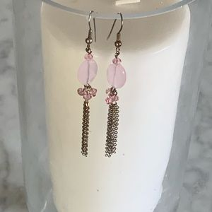 Simple pink dangling earrings